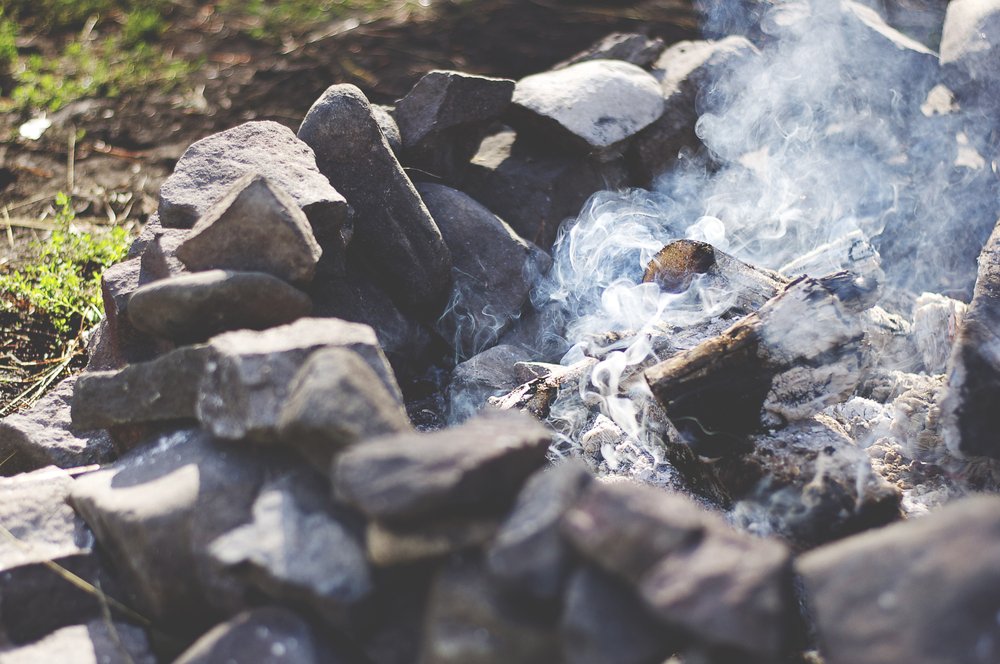 how to put out a camp fire
