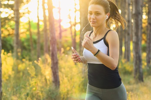 Outdoor world: jogging with a smartphone